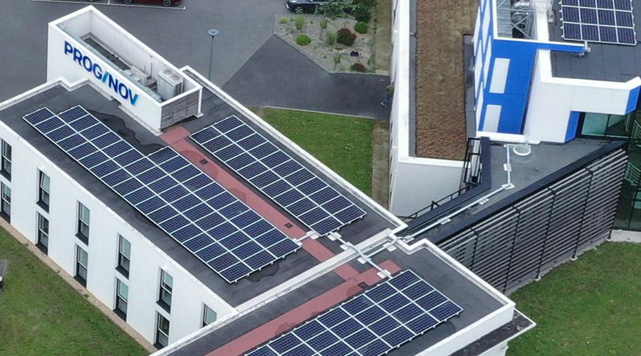 Panneaux photovoltaiques sur les toits de Proginov