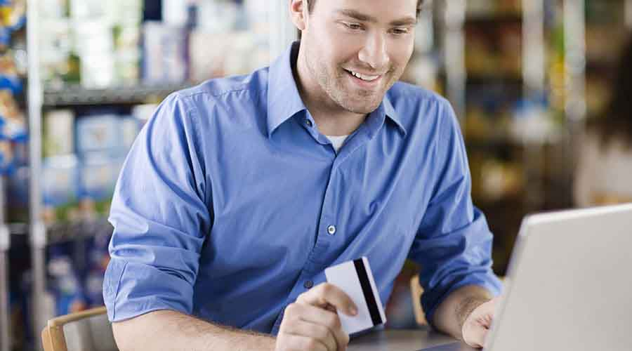 Payment by credit card on an online sales website
